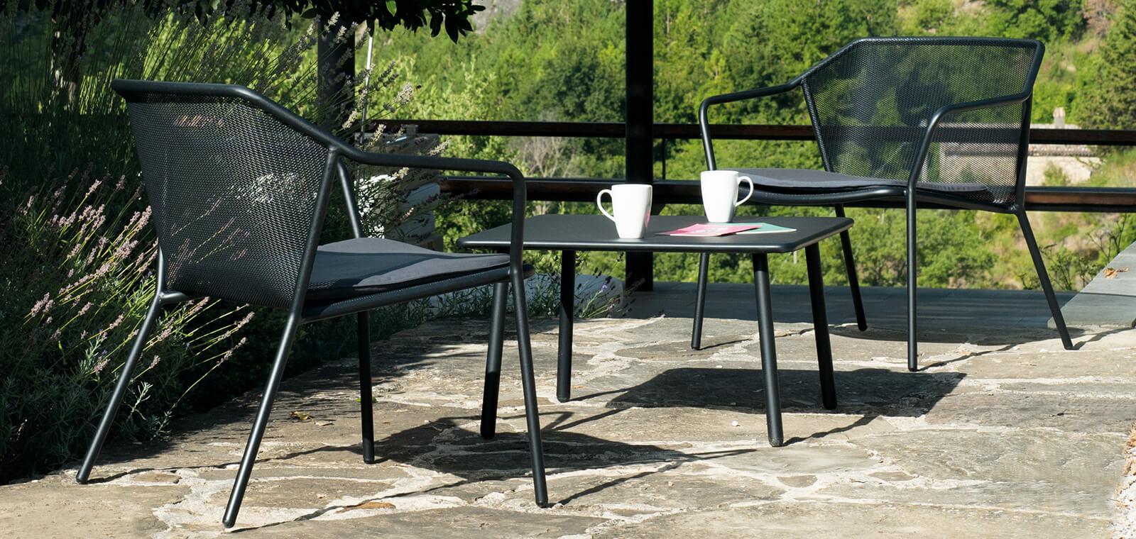 Arredo giardino tps2 tende da sole genova portofino for Arredo giardino design on line
